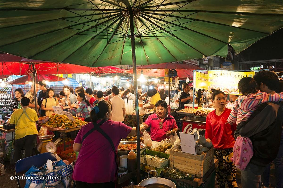 ngôi chợ nổi tiếng ở Chiang Mai