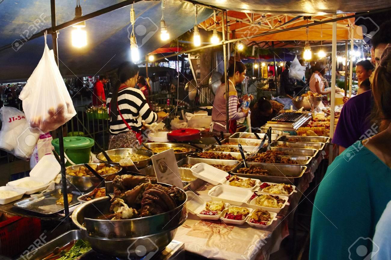 Khu Ăn Uống Ở Phuket