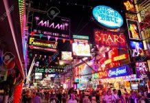 Chợ Đêm Ở Pattaya