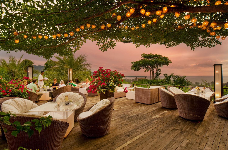 quán bar nổi tiếng ở phuket